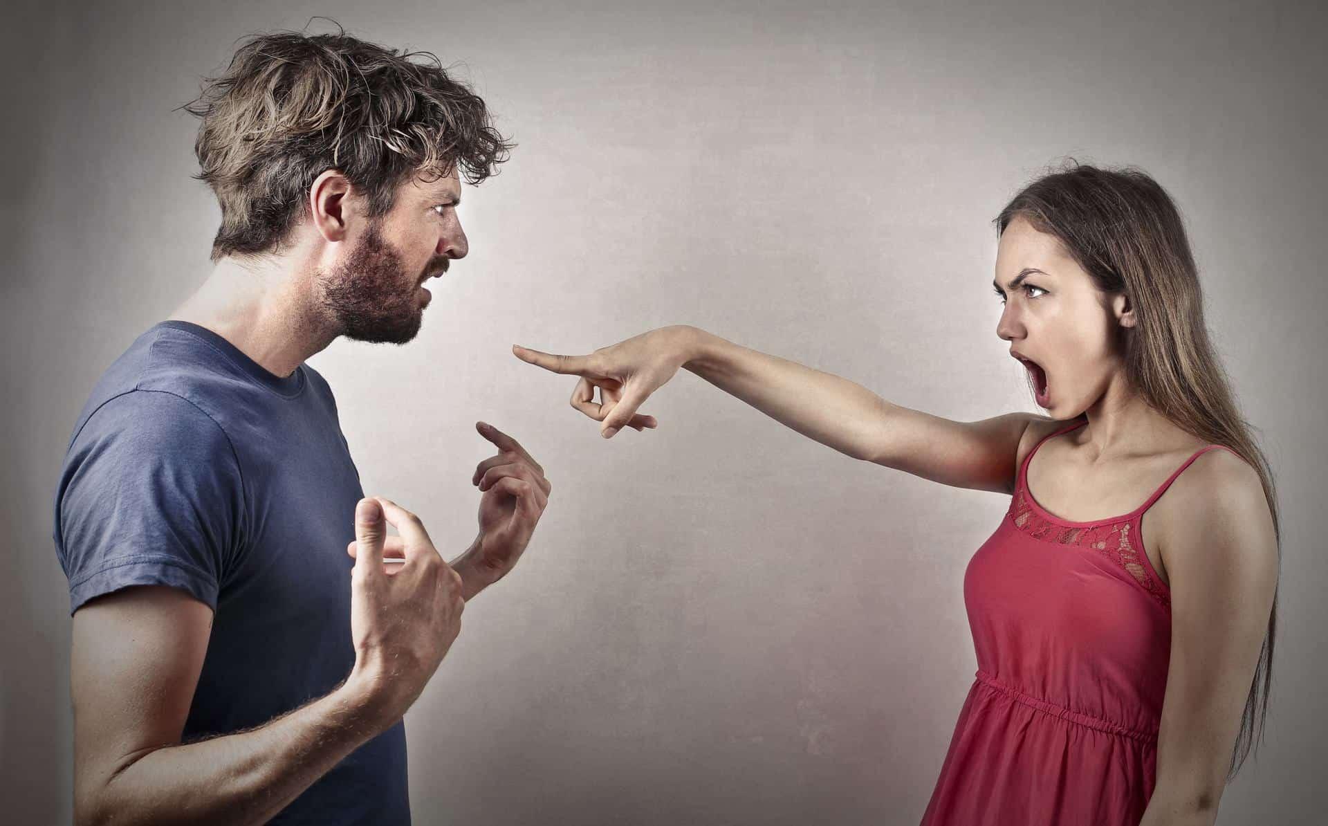 Woman accusing her boyfriend