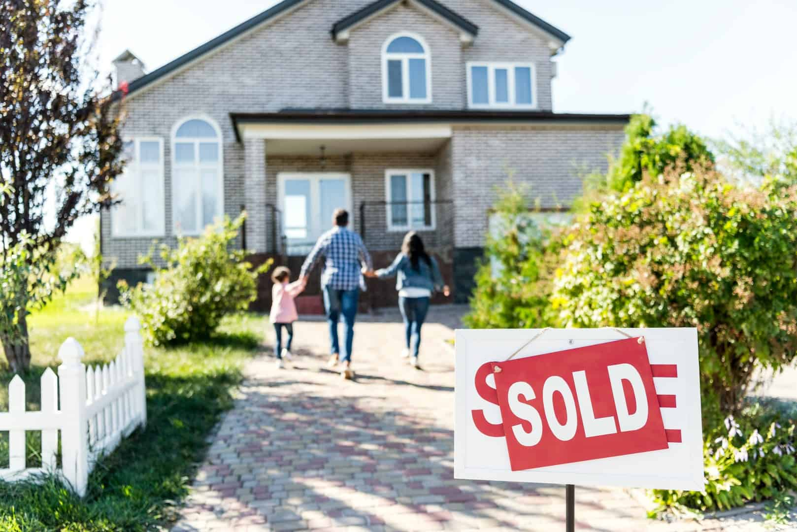 how to find real estate leads