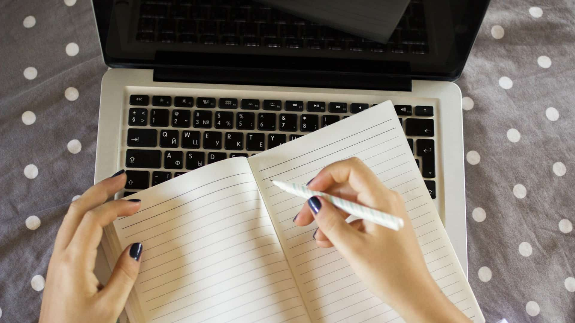 How to write a glossary for a report