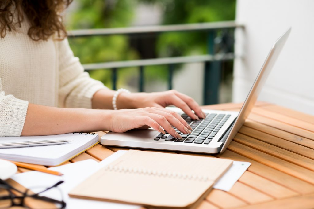 What is a professional copywriter